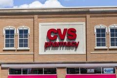 Indianapolis - circa agosto 2016: Posizione di vendita al dettaglio della farmacia di CVS CVS è la più grande catena della farmac Fotografia Stock