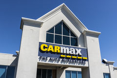 Indianapolis - Circa April 2017: CarMax Auto Dealership. CarMax is the Largest Used-Car Retailer in the US VIII Stock Image