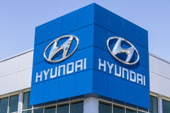 Indianapolis - Circa April 2017: Hyundai Motor Company Dealership. Hyundai is a South Korean Automotive Manufacturer IV. Hyundai Motor Company Dealership Royalty Free Stock Images