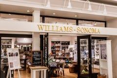 Indianapolis - Circa April 2018: Williams-Sonoma is de kleinhandelswandelgalerijplaats, Williams-Sonoma beroemd voor hun meubilai royalty-vrije stock afbeeldingen