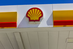 shell gas station sign stock photos images amp pictures