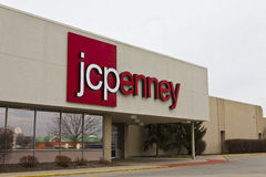 Indianapolis - Circa December 2015: JC Penney Retail Mall Location. JCP is an Apparel and Home Furnishing Retailer II Royalty Free Stock Photos