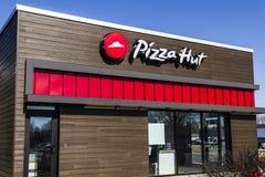 Indianapolis - Circa Februari 2017: Het Snelle Toevallige Restaurant van Pizza Hut Pizza Hut is een dochteronderneming van YUM! M Stock Foto