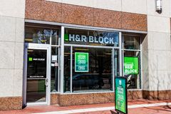 Indianapolis - Circa February 2018: H&R Block Retail Tax Preparation Location. Block Operates 12,000 Locations III. H&R Block Retail Tax Preparation Location stock images