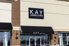 Indianapolis - Circa February 2017: Kay Jewelers Retail Strip Mall Location I Stock Images