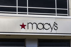 Indianapolis - Circa February 2017: Macy`s Department Store. Macy's, Inc. is the Nation's Premier Omnichannel Retailers VI Stock Photos