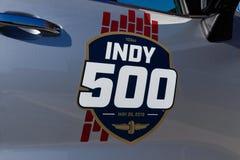 Indianapolis - circa gennaio 2019: Logo speciale che commemora il 500 miglia di indianapolis a Indianapolis Motor Speedway I fotografia stock