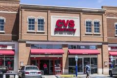 Indianapolis - circa giugno 2017: Posizione di vendita al dettaglio della farmacia di CVS CVS è la più grande catena della farmac Fotografia Stock