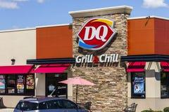 Indianapolis - circa im August 2016: Molkereikönigin-Einzelhandels-Schnellimbiss-Standort DQ ist eine Tochtergesellschaft von Ber Lizenzfreies Stockfoto