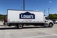 Indianapolis - circa im Juli 2017: Lowe-` s Heimwerken-Lieferwagen VIII Lizenzfreie Stockfotos