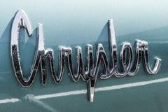 Indianapolis - circa im September 2017: Klassisches Ausweis-Emblem von Chrysler 1963 300 I Stockbilder
