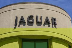 Indianapolis - circa im September 2017: Lokaler Jaguar-Luxus-Auto-Vertragshändler Jaguar ist eine Tochtergesellschaft von Tata Mo stockfotografie