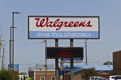 Indianapolis - Circa Juli 2016: Walgreens meddelade dess plan för att få ritualhjälpmedlet i ett avtalsvärde $17 2 miljard dropp Arkivbild