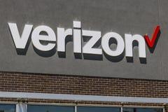 Indianapolis - circa julio de 2017: Ubicación de la venta al por menor de Verizon Wireless Verizon es el U más grande S proveedor Imagen de archivo libre de regalías