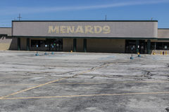 Indianapolis - Circa June 2017: Recently shuttered Menards Home Improvement location I Royalty Free Stock Images