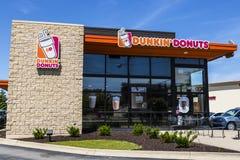 Indianapolis - Circa Juni 2017: Återförsäljnings- läge V för Dunkin `-Donuts Royaltyfri Fotografi