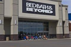 Indianapolis - Circa Juni 2016: Bedbad & voorbij Kleinhandelsplaats II Stock Afbeelding