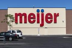 Indianapolis - Circa Juni 2017: Meijer Kleinhandelsplaats Meijer is een groot supercentertype detailhandelaar met meer dan 200 pl Stock Foto's