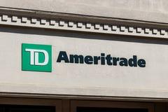 Indianapolis - Circa Maart 2019: TD Ameritrade lokaal filiaal TD Ameritrade in een online makelaar van investeringen III royalty-vrije stock afbeelding