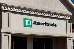 Indianapolis - Circa Maart 2019: TD Ameritrade lokaal filiaal TD Ameritrade in een online makelaar van voorraden en investeringen royalty-vrije stock fotografie