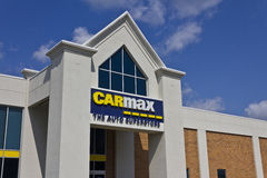Indianapolis - Circa Maj 2016: CarMax auto återförsäljare I fotografering för bildbyråer
