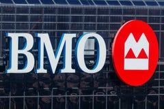 Indianapolis - Circa Maj 2018: Signage och logo av BMO Harris Bank BMO Harris är ett dotterbolag av banken av Montreal I Royaltyfria Bilder