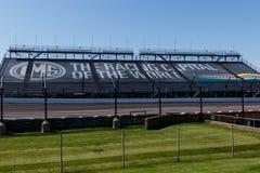 Indianapolis - Circa Maj 2018: Ställningar på Indianapolis Motor Speedway IMS förbereder för den 102. springen av Indyen 500 XIII Arkivbilder