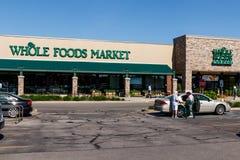 Indianapolis - Circa Maj 2018: Whole Foods marknad Amasonen meddelade en överenskommelse att köpa Whole Foods för $13 7 miljard I royaltyfri fotografi