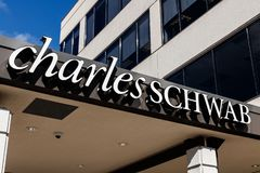Free Indianapolis - Circa March 2019: Charles Schwab Consumer Location. Charles Schwab Provides And Financial Services I Stock Images - 142231674