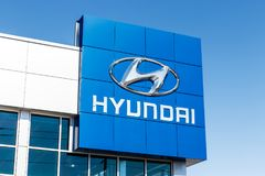 Indianapolis - Circa March 2018: Hyundai Motor Company Dealership. Hyundai is a South Korean Automotive Manufacturer IV. Hyundai Motor Company Dealership Stock Images