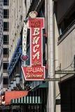 Indianapolis - Circa mars 2017: Buca di Beppo Italian Restaurant Buca di Beppo har lägen i USA, UK och UAE I arkivbild