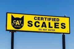 Indianapolis - Circa mars 2018: CAT Truck och släpskala CAT Scale installerade dess första skala i 1977 II arkivbilder