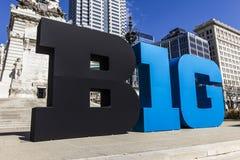 Indianapolis - Circa mars 2017: Den stora logoen för tio konferens stiliserade också som de stora 10na eller B1GEN i i stadens ce Arkivbild