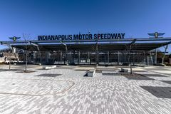 Indianapolis - Circa mars 2018: Ingång för Indianapolis Motor Speedway port 1 IMS är värd Indyen 500 V Royaltyfri Foto