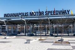 Indianapolis - Circa mars 2018: Ingång för Indianapolis Motor Speedway port 1 IMS är värd Indyen 500 VI Royaltyfria Foton