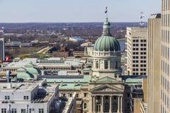 Indianapolis - circa marzo 2017: Cupola del Campidoglio e di Indiana State House Alloggia il governatore, l'Assemblea e la Corte  Immagine Stock Libera da Diritti