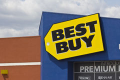 Indianapolis - Circa May 2016: Best Buy Retail Location I Royalty Free Stock Photos