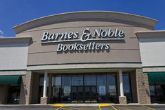 Indianapolis - circa mayo de 2016: Ubicación II de la venta al por menor de Barnes & Noble Fotografía de archivo