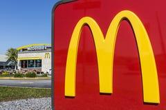 Indianapolis - Circa Mei 2017: De Plaats van het McDonald` s Restaurant McDonald ` s is een Ketting van Hamburgerrestaurants XI Royalty-vrije Stock Afbeelding