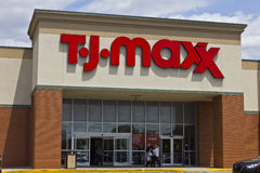 Indianapolis - Circa Mei 2016: T J Maxx Retail Store Location I royalty-vrije stock foto's