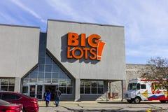 Indianapolis - circa noviembre de 2016: Las porciones grandes venden la ubicación del descuento al por menor Las porciones grande Imágenes de archivo libres de regalías