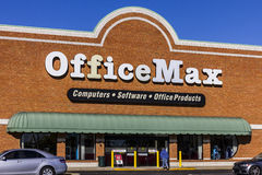 Indianapolis - Circa October 2016:  OfficeMax Retail Strip Mall Location. OfficeMax is a subsidiary of Office Depot I Royalty Free Stock Image
