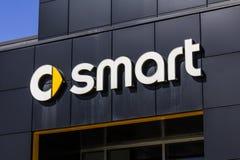 Indianapolis - Circa Oktober 2016: Smart bilåterförsäljare Smart är en uppdelning av Daimler AG I Royaltyfria Bilder