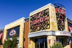 Indianapolis - Circa Oktober 2016: TGI-het Restaurantplaats van de Vrijdag TGI-de Vrijdagen biedt groot voedsel en verbazende dra Stock Afbeeldingen