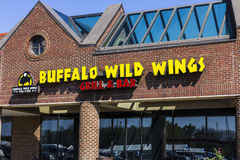 Indianapolis - Circa September 2016: Buffalo Wild Wings Grill and Bar Restaurant III Stock Photography