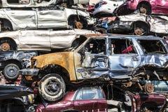 Indianapolis - Circa September 2017: De gestapelde auto's van de troepwerf clunker die op verpletteren worden voorbereid XI te re Royalty-vrije Stock Fotografie