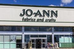 Indianapolis - Circa September 2016: JoAnn Fabrics och hantverk sälja i minut läge I Royaltyfri Fotografi