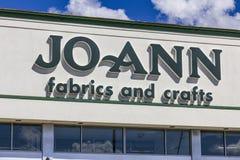 Indianapolis - Circa September 2016: JoAnn Fabrics och hantverk sälja i minut läge II Royaltyfria Bilder