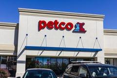 Indianapolis - Circa September 2016: Petco Animal Supplies Retail Strip Mall Location II Stock Image