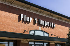 Indianapolis - Circa September 2016: Pier 1 Imports Retail Strip Mall Location. Pier 1 Imports Home Furnishings and Decor I Stock Image
